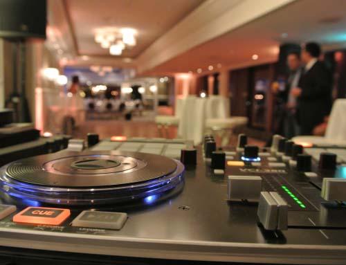 DJ München über den Dächern der Stadt