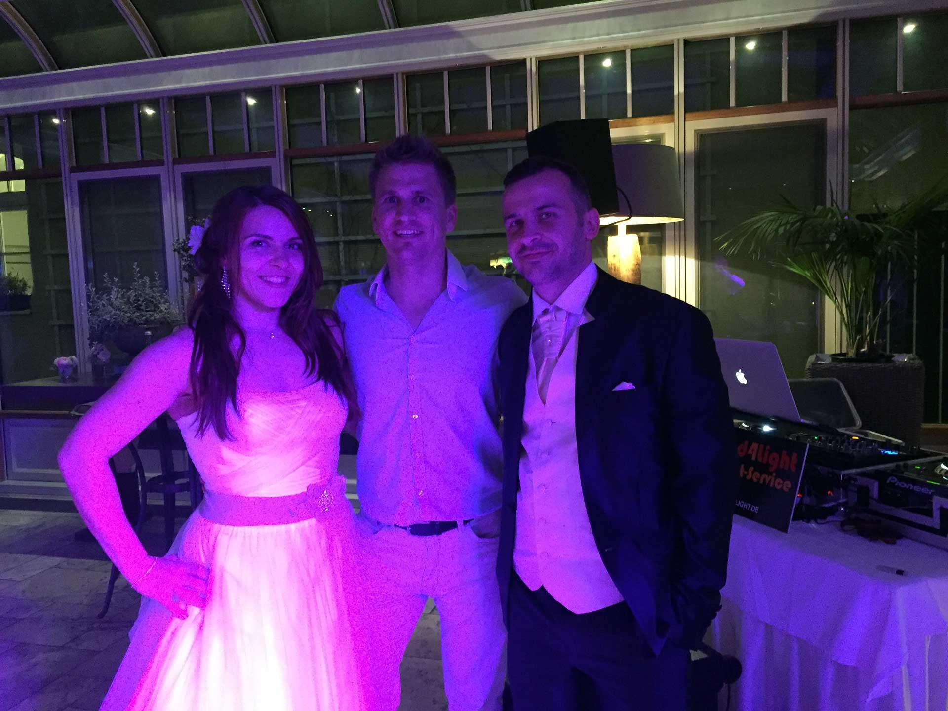 DJ Sandro mit Brautpaar