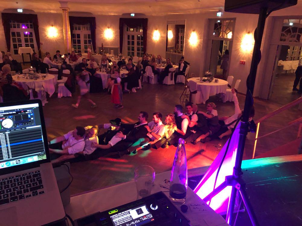 Hochzeitsparty tolle Stimmung mit Sound4Light DJ