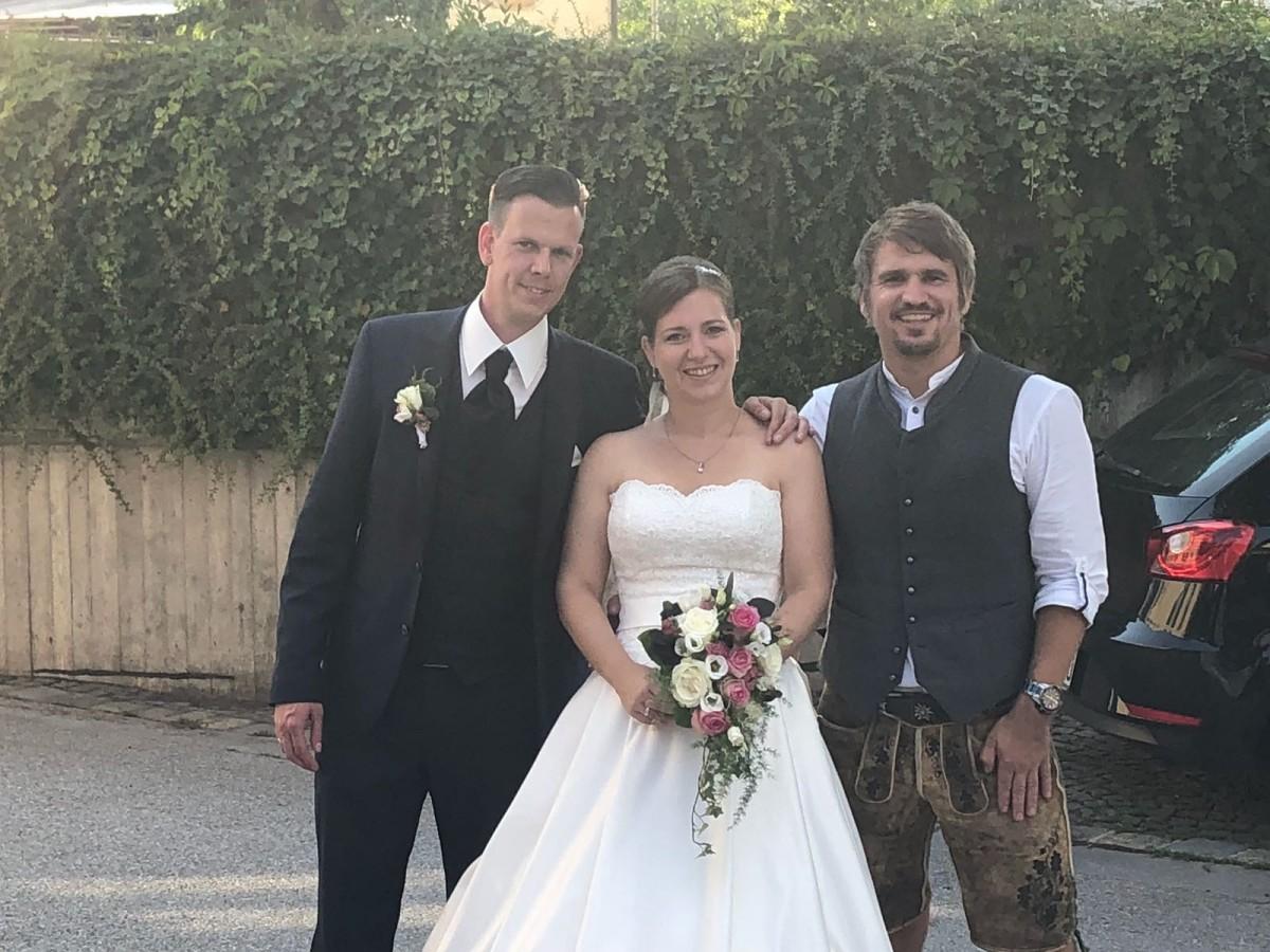 DJ Sandro bayrische Hochzeit in Tracht